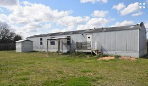 1541-zion-hill-road-segin-texas-78155-exterior-back