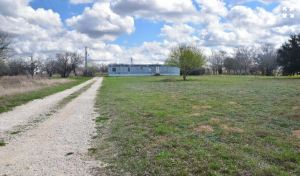 1541-zion-hill-road-segin-texas-78155-view